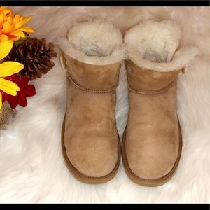 UGG Shoes - UGG Chestnut Mini Bailey Button Boots